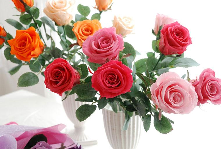 ブリザードフラワーのバラの花束